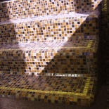 Medencelépcső arany szegéllyel