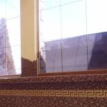 Aranyos barna üvegmozaik burkolat