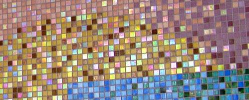 Színes üvegmozaik falburkolat
